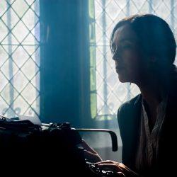 Ghostwriting für Haus- und Abschlussarbeiten klingt verlockend. Doch ist das überhaupt legal? Und ist es sinnvoll?